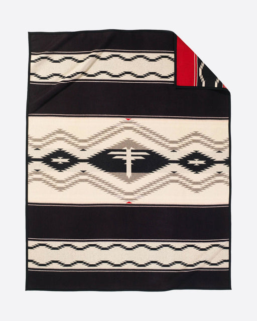 Pendleton Water Blanket - Pendleton Woolen Mills - The Shops at Mount Vernon