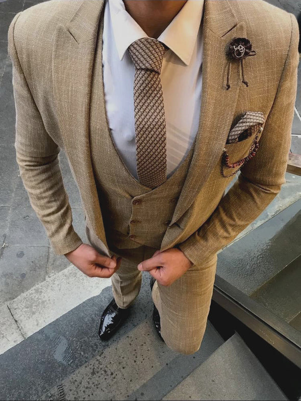 Titus - Brown 3 Piece Suit