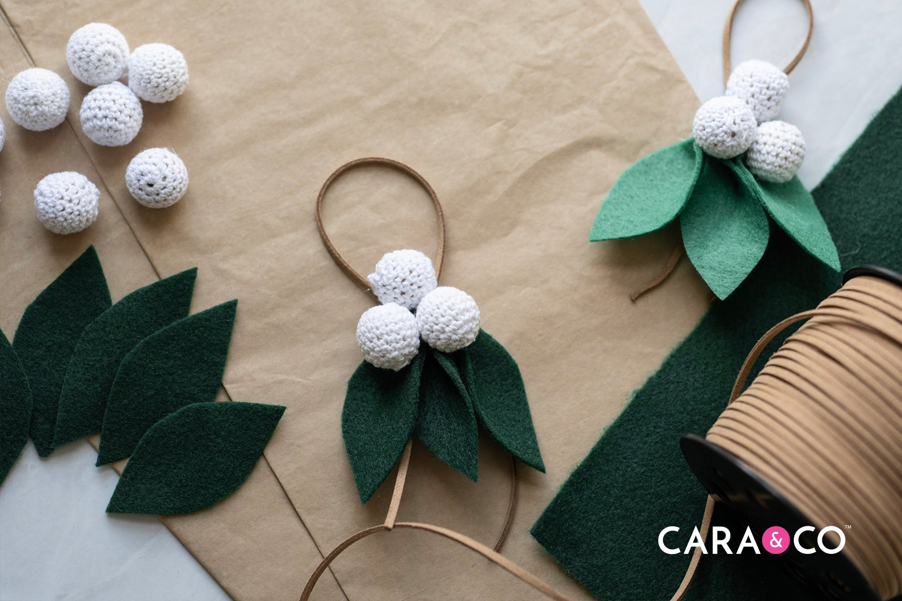 DIY felt christmas berry ornament - easy christmas DIY