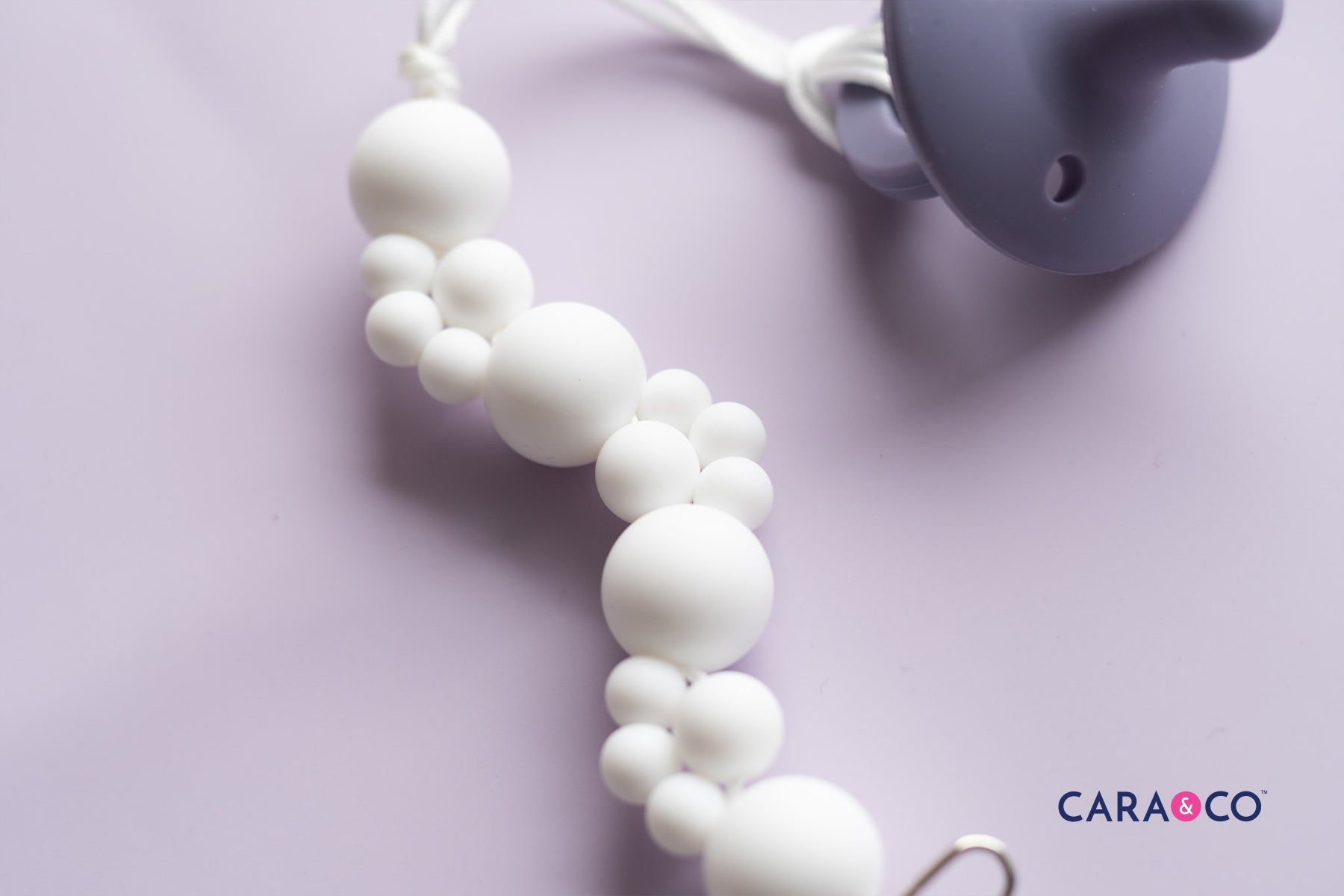 Simple White Modern Soother Clip Design Tutorial