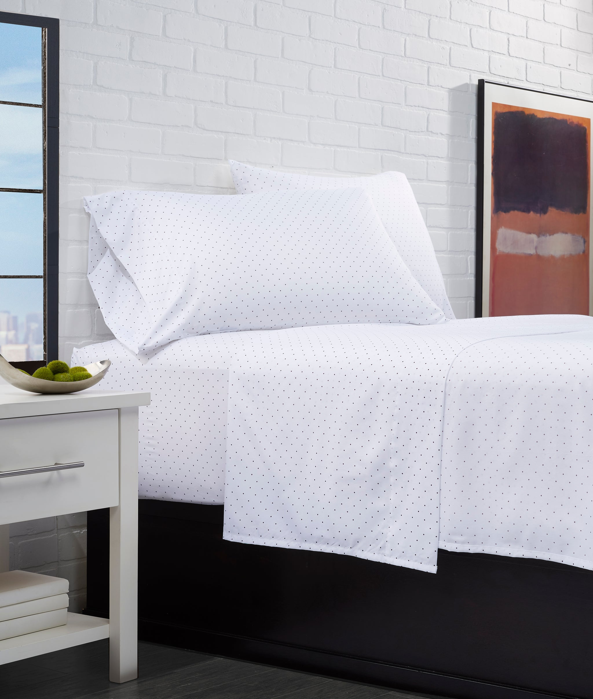 Super Soft Triple Brushed Microfiber 4-Piece Polka Dot Sheet Set