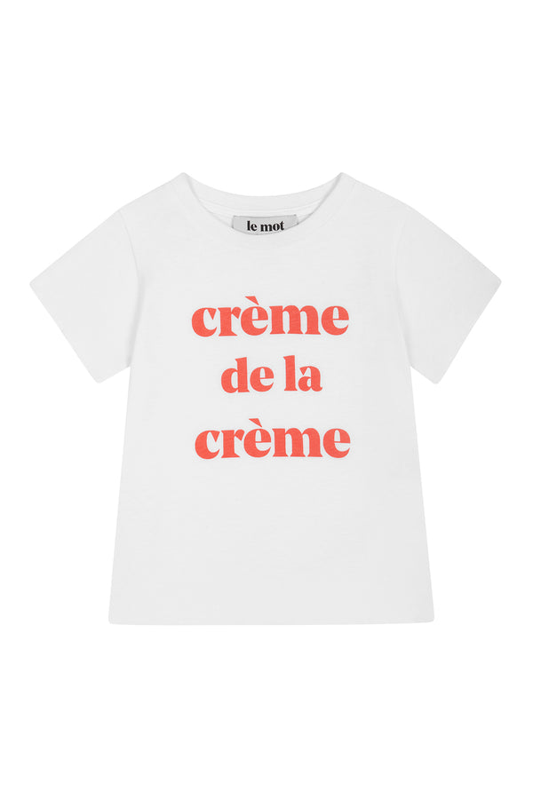 The crème de la crème t-shirt is already a wardrobe staple that keeps on being a favourite, season after season. So we thought the little ones deserved to have one too! For Summer, this popular style comes with coral printed letters, one of the coolest color choices for this summer. Crafted in a soft cotton jersey, this t-shirt has a classic, relaxed fit.