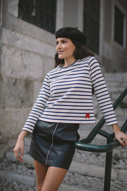 Our La Parisienne collection is a tribute to the parisian woman that lives in the chic capital of France. For the Chapter Two of this love story, we couldn't help but to bring  you a basic piece in the parisians closets: the longsleeve striped tee, in its purest form! Crafted in Portugal from heavyweight cotton jersey, this is a staple t-shirt with a twist. It features the Le Mot symbol embroidery in scarlet red, on the front bottom, for the ultimate sophistication.