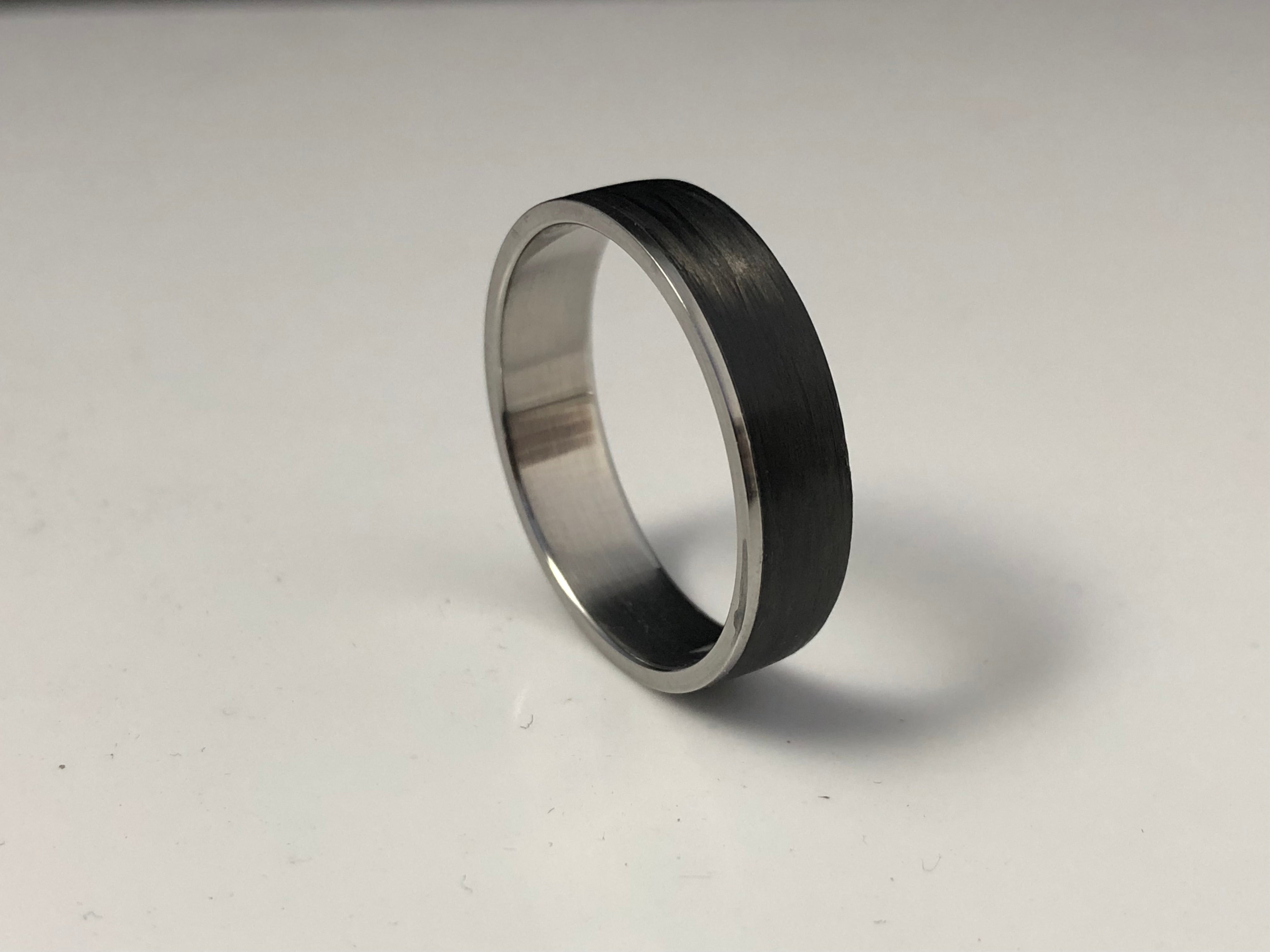 Steel ring carbon fiber inlay size 13