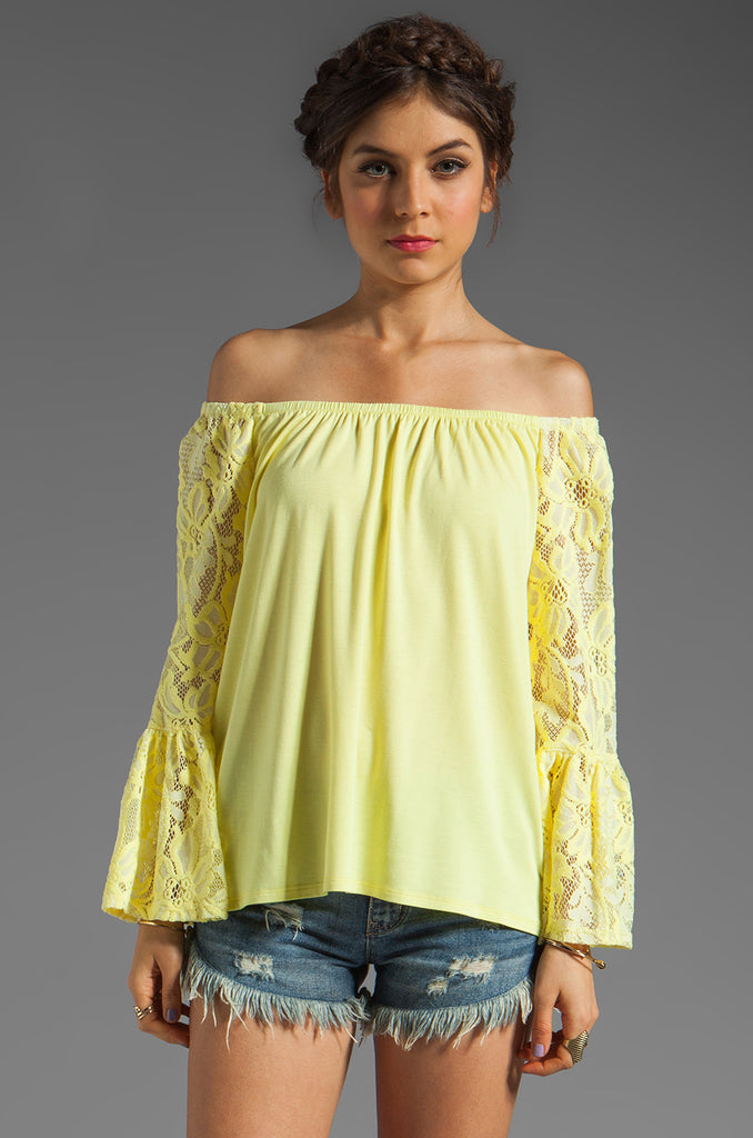 SKYLER OFF SHOULDER TOP (Yellow))-VT7988
