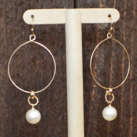 PEARL SINGLE DROP GOLD HOOP EARRING