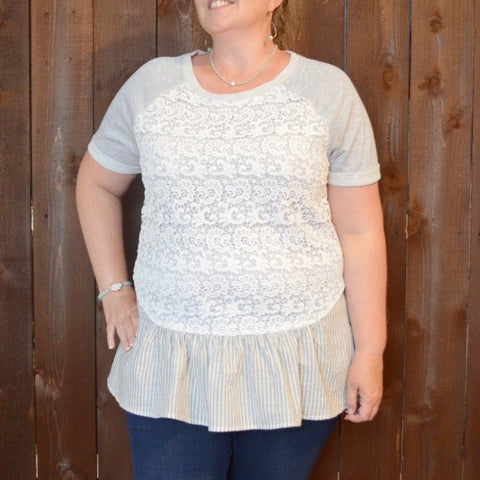 GREY TOP WITH WHITE LACE AND STRIPE RUFFLED HEM