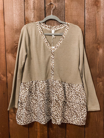 OLIVE BUTTON DOWN ANIMAL PRINT TOP