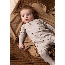 Load image into Gallery viewer, Hundred Pieces La Funky Family T-Shirt