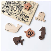 Load image into Gallery viewer, Wee Gallery Wooden Tray Puzzle