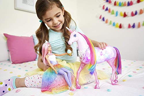 Barbie FXT26 - Dreamtopia Magical Unicorn - Child playing