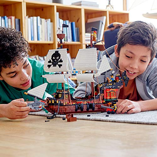 LEGO 31109 - 3 IN 1 PIRATE SHIP - CHILDREN PLAYING