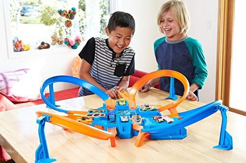 Hot Wheels DTN42 - Criss Cross Crash - Children playing