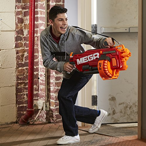 Nerf - Mega Mastodon - Child firing blaster