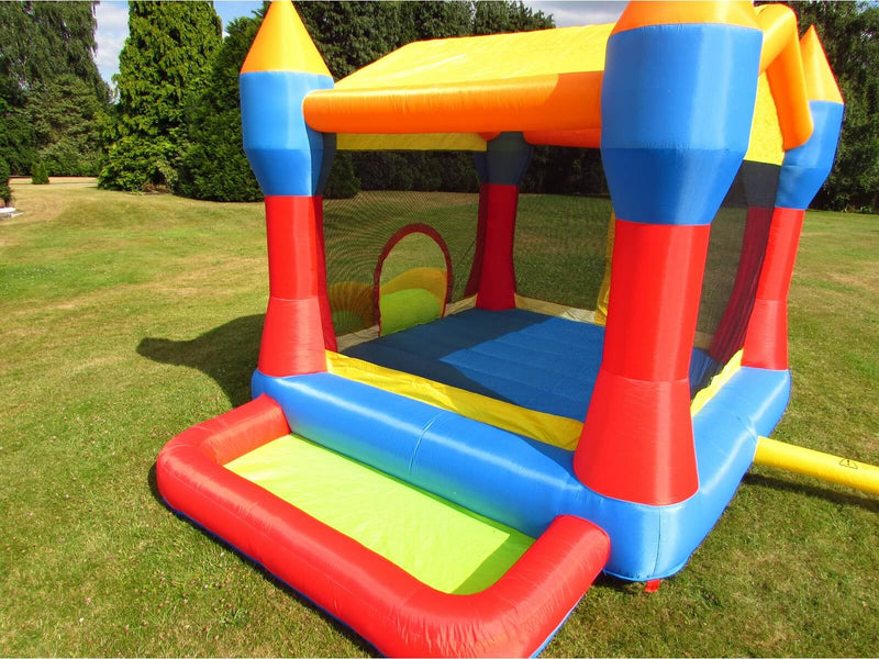 Party Bouncy Castle With Enclosed Bounce Area