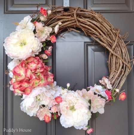 Give a Warm Welcome to April with a Lovely Wreath!