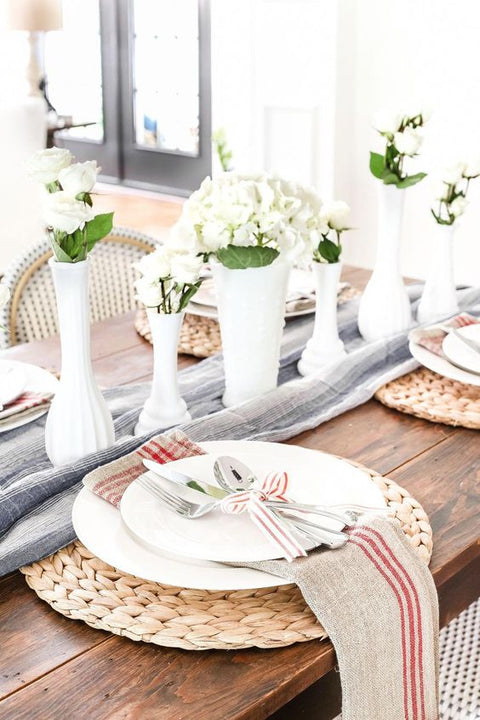 Tired of Clichés? Pay Tribute to All Veterans with These Vintage Tablescapes!