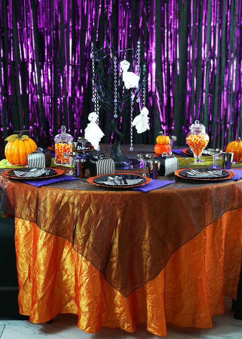 Freaky yet Stylish Table Setup for a Kids' Halloween Party