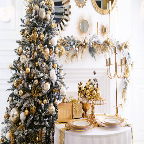 Five Astounding Christmas Tablescapes For Jolly Festive Fun!