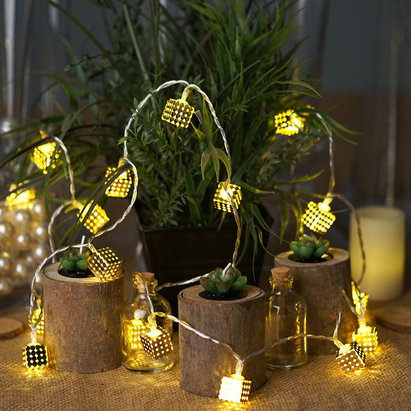 8Ft Long Battery Operated Gold Cube LED String Lights With 20 Bright Warm White LEDs