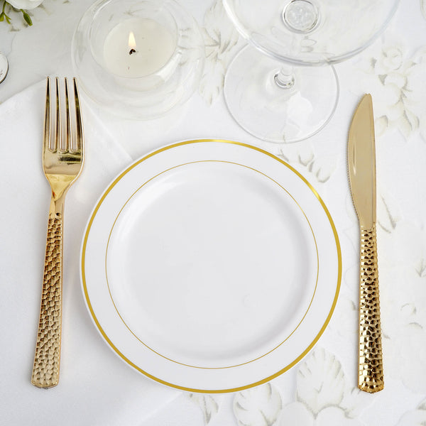 "10 Pack | 6"" White Très Chic Round Disposable Plastic Salad Dessert Plates With Gold Rim"