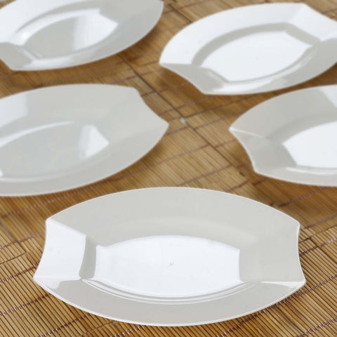 10 Pack - Ivory 7.5\  Crescent Oval Shaped Disposable Plate - Chambury Plastics & 10 Pack 7.5\
