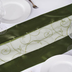 Table Runner Embroider - Willow Green