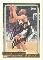 Anthony Avent Milwaukee Bucks 1992 Topps Gold Autographed Card - Nice Autograph. This item comes with a certificate of authenticity from Autograph-Sports. PSM-Powers Sports Memorabilia