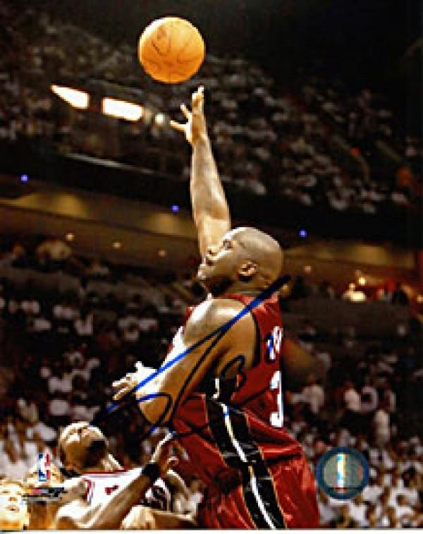 Shaquille O'Neal Autographed / Signed Lay Up vs. Bulls Miami Heat 8x10 Photo PSM-Powers Sports Memorabilia