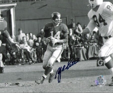 Y.A. Tittle signed New York Giants Passing 8X10 B&W Photo PSM-Powers Sports Memorabilia