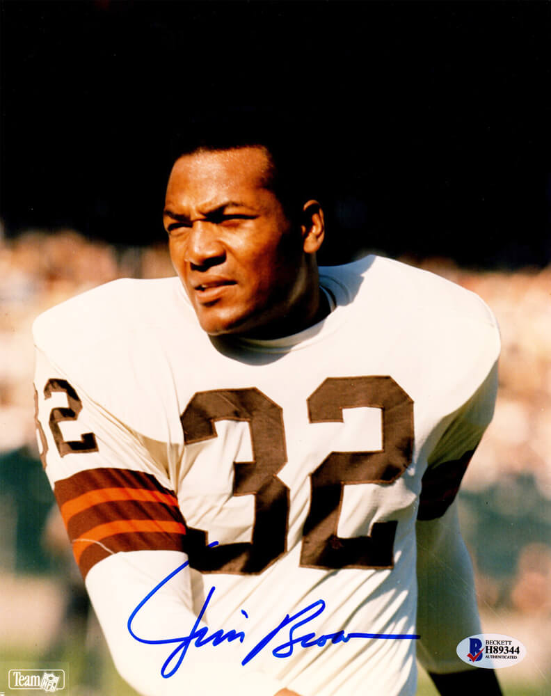 Jim Brown Signed Cleveland Browns 8x10 Photo (Beckett) PSM-Powers Sports Memorabilia