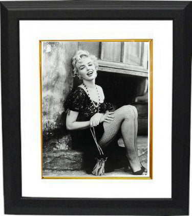 Marilyn Monroe Vintage B&W 8x10 Photo Custom Framing (hands on lap) PSM-Powers Sports Memorabilia