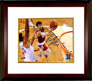 Frank Kaminsky signed Wisconsin Badgers 8x10 Photo Custom Framing #44 - Schwartz Hologram (2015 Final Four Lay up vs Kentucky) PSM-Powers Sports Memorabilia