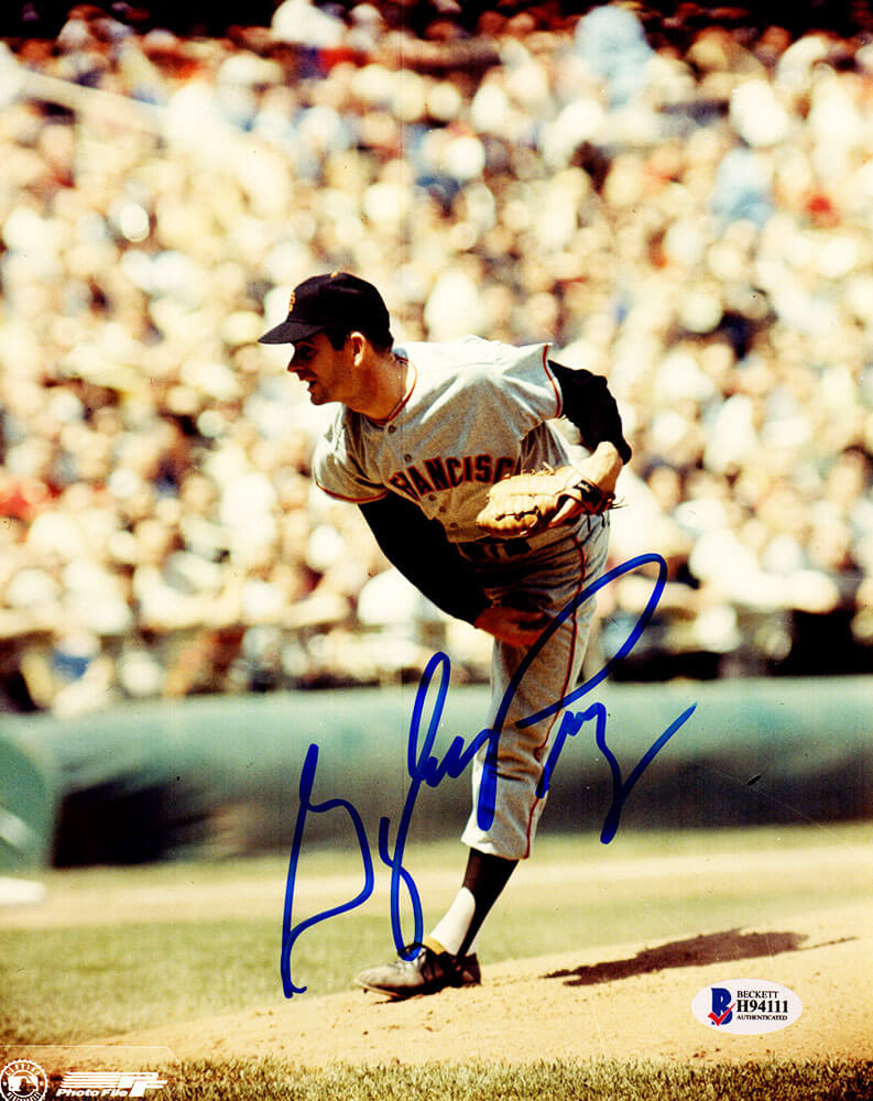 Gaylord Perry Signed San Francisco Giants Pitching Action 8x10 Photo (Beckett) PSM-Powers Sports Memorabilia