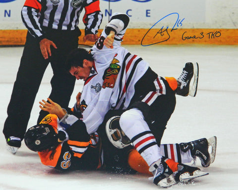 Andrew Shaw Signed Blackhawks 2013 Stanley Cup Finals Fight 16x20 Photo w/Game 3 TKO