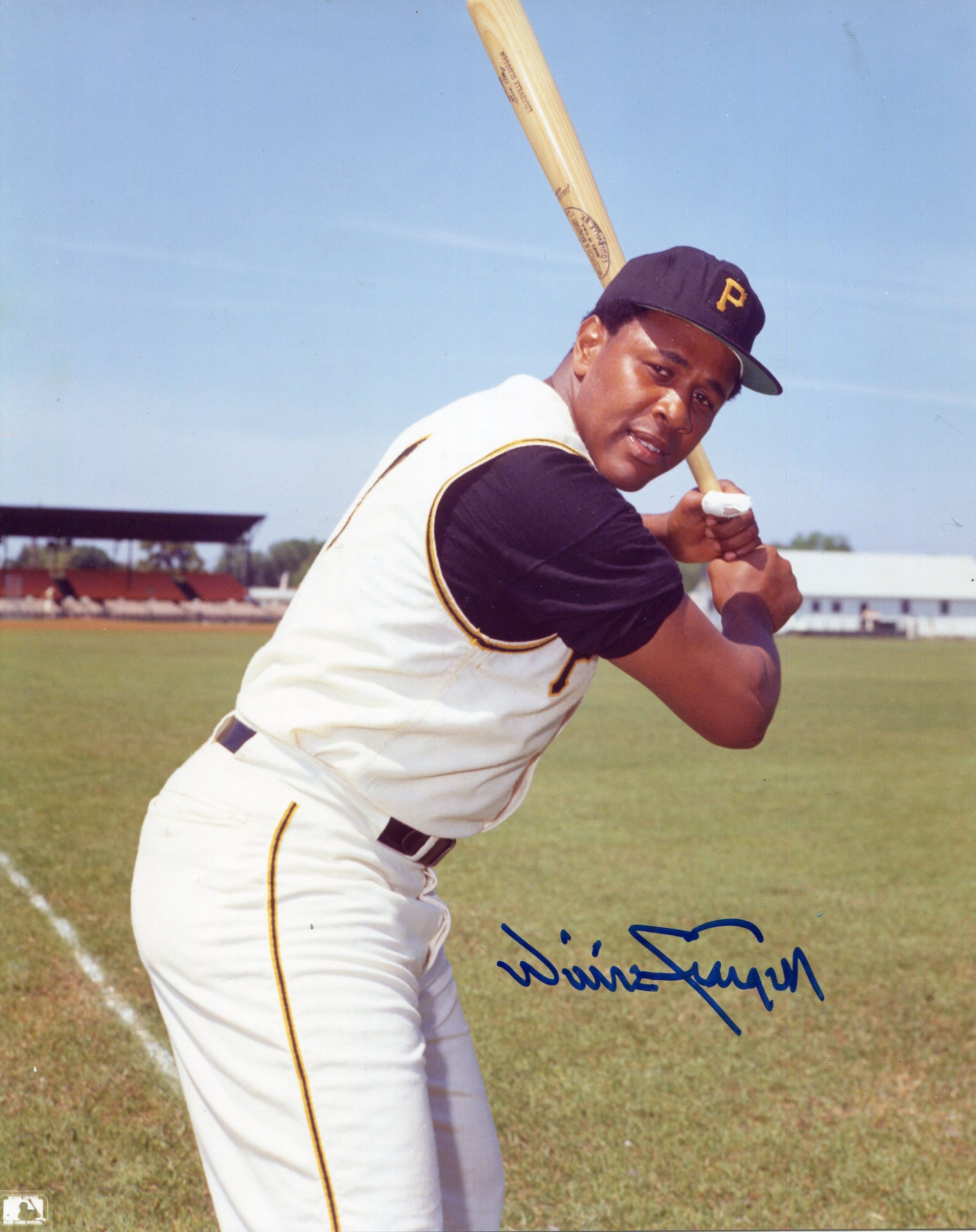 Willie Stargell Autographed 8x10 Photo PSM