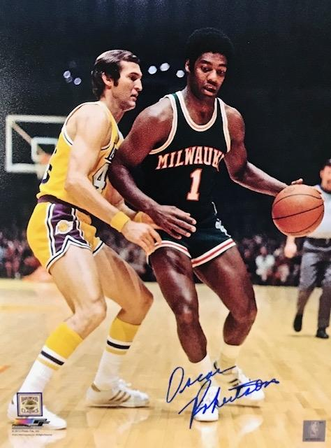 Oscar Robertson Autographed Bucks 11x14 Photo PSM-Powers Sports Memorabilia