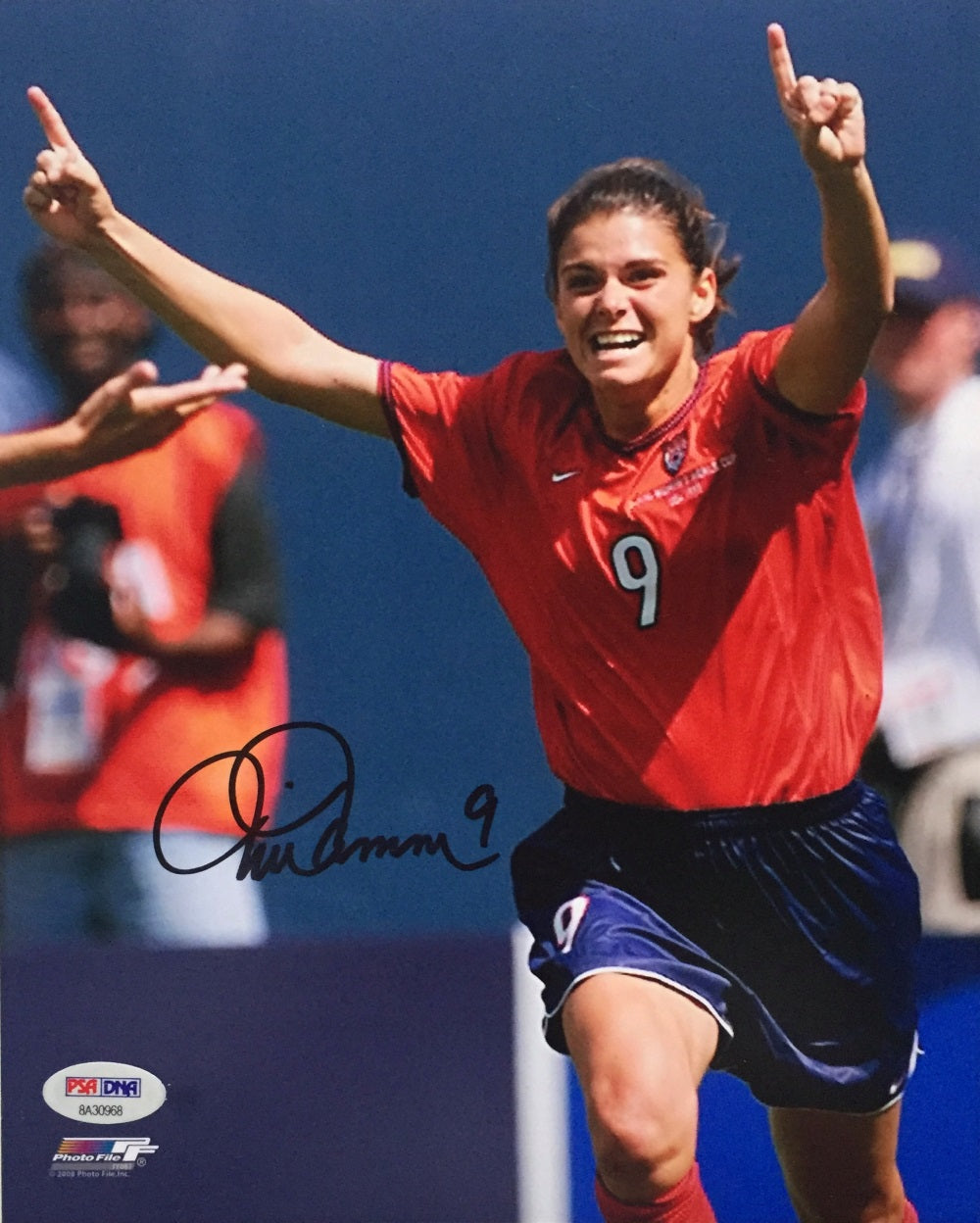 Mia Hamm Signed USA Women's Soccer 8x10 Photo PSA PSM-Powers Sports Memorabilia