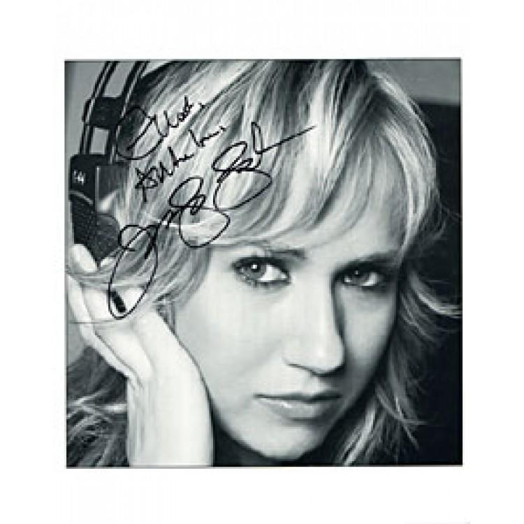 Jennifer Landon Autographed / Signed Celebrity 8x10 Photo PSM-Powers Sports Memorabilia