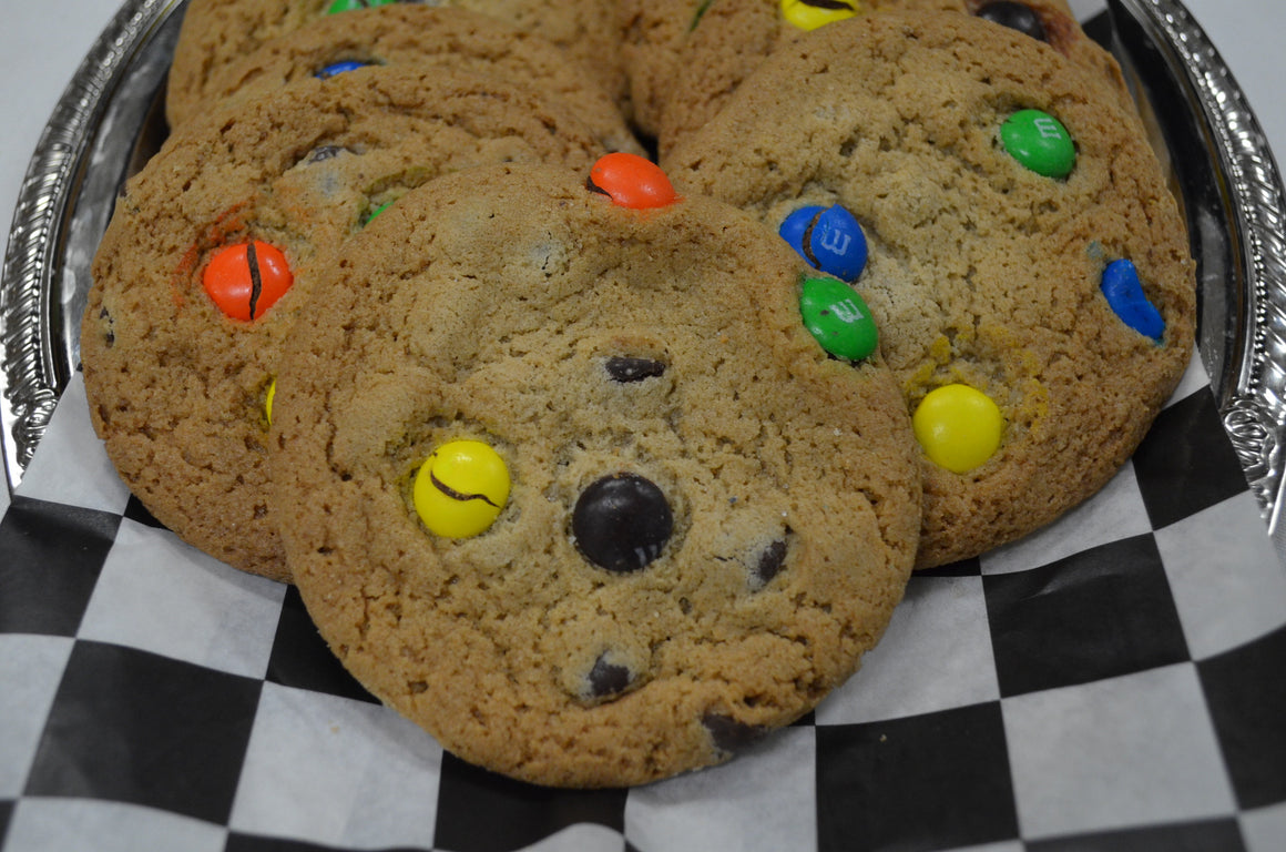 Gourmet M & M / Chocolate Chip Cookie