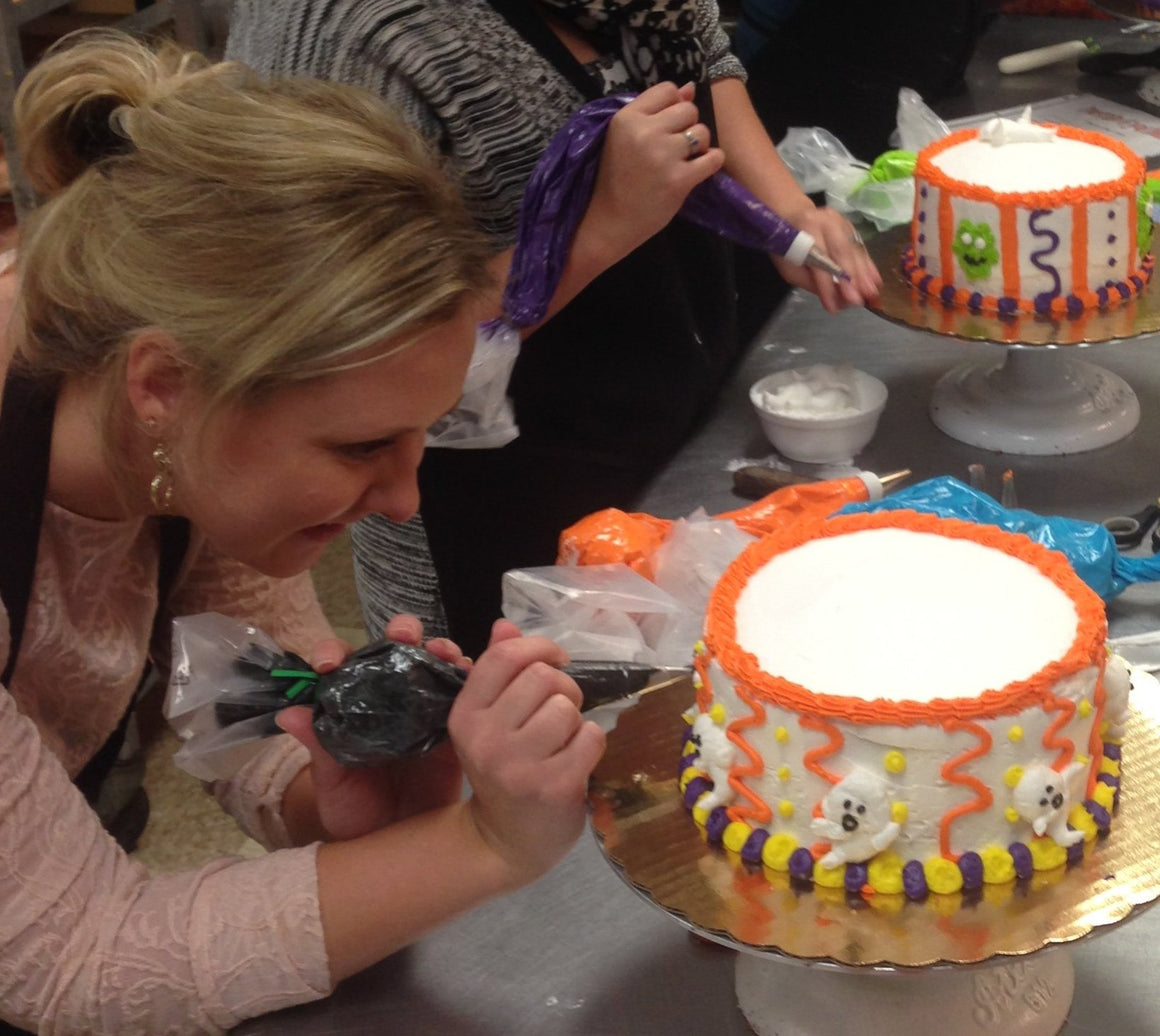 Halloween Cake Decorating Class Tues. Oct. 29 6:00pm-7:30pm