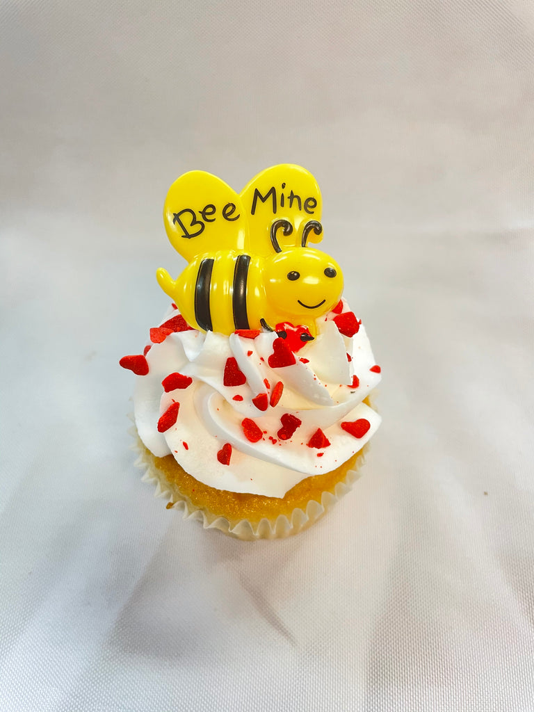Valentine Cupcake: 'Bee Mine'