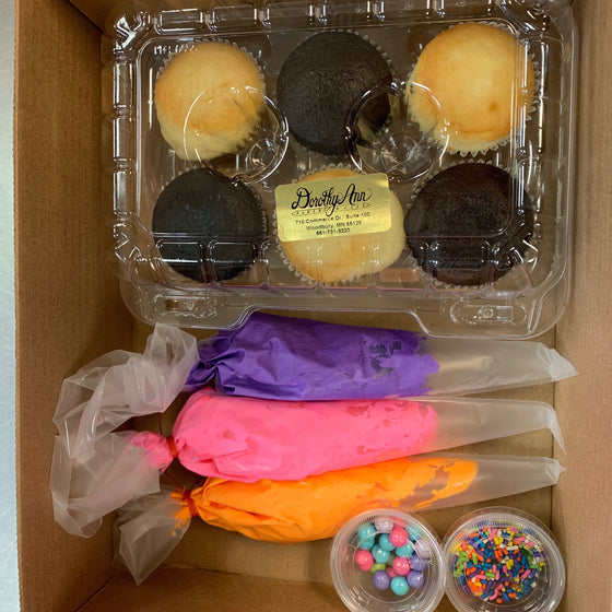 Cupcake Take Home Decorating Kit