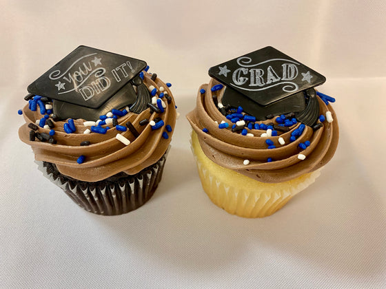 Graduation Party Packaged Cupcakes Chalkboard Grad Hats