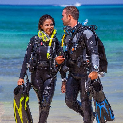 Guided dive & rental gear (Beach)