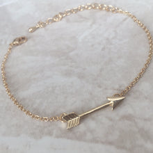 Keep Moving Forward - Arrow Bracelet