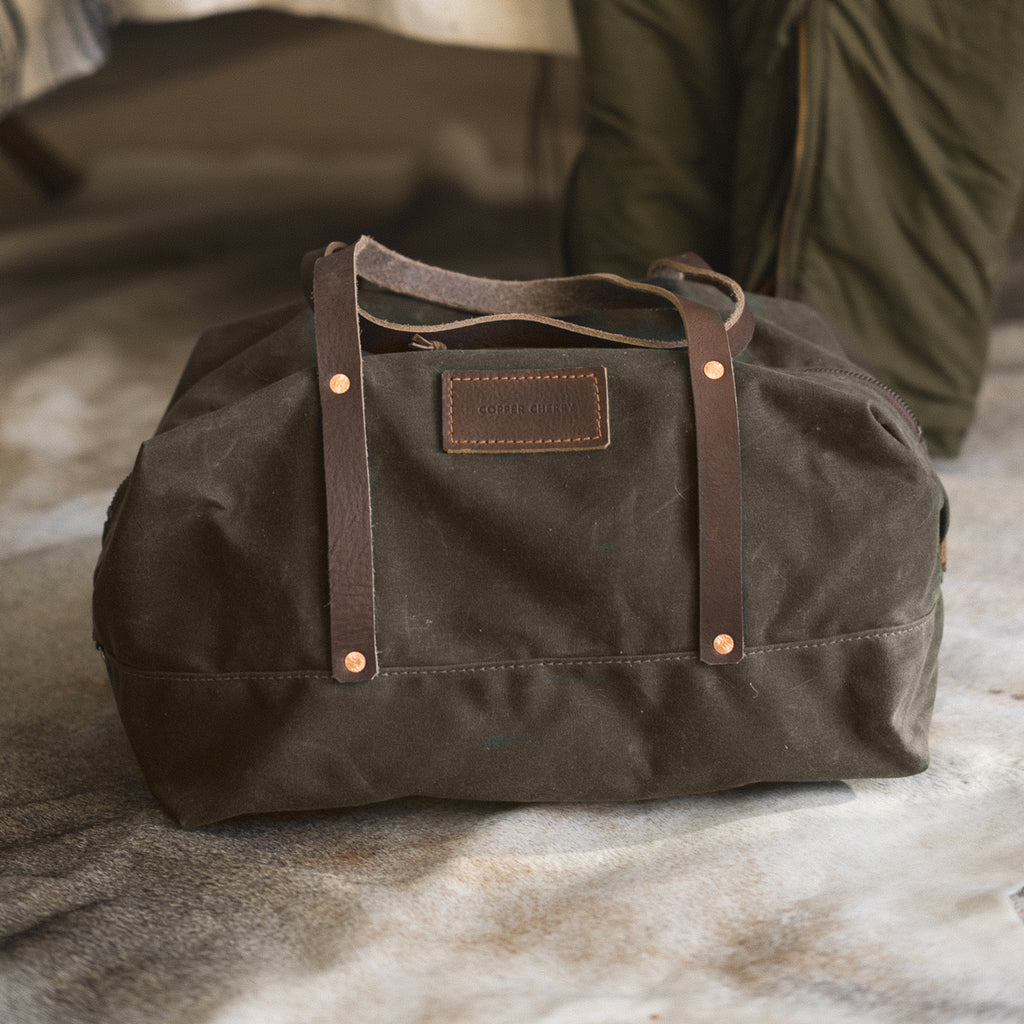 Hixon Weekender in Dark Oak