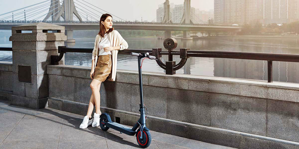 AOVO PRO High Speed Electric Scooter 350W Motor Large 10.5Ah Battery Dual Brake App LCD Display Waterproof Foldable E-Scooter - LADSPAD.UK