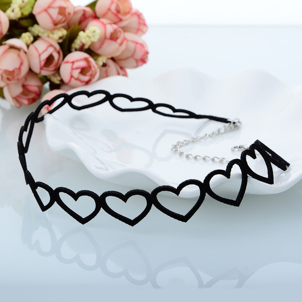 Sweet Style Black Love Hollow Out Heart Alloy Choker Women's Jewelry - LADSPAD.COM