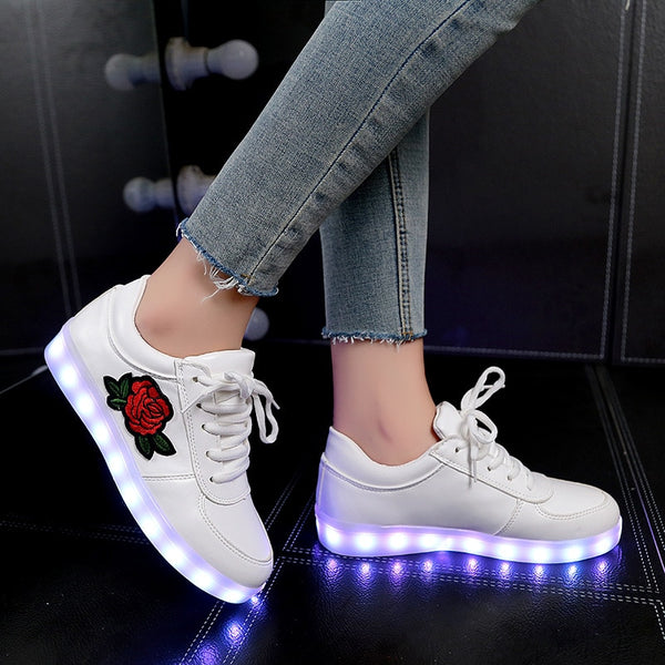 New Size 26-44 Kids Luminous Sneakers for Girls Boys Women Shoes with Light Led Shoes with Flower Glowing Sneakers